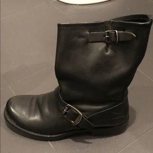27874511b1355 Frye Shoes - Women s Frye Jenna Engineer Short Boot size 7
